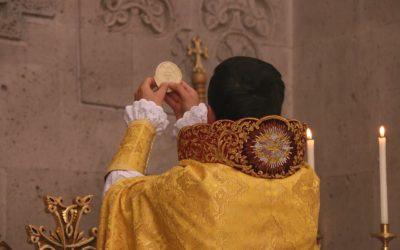 Տոնական Պատարագ Սրբոց Հրեշտակապետաց եկեղեցում